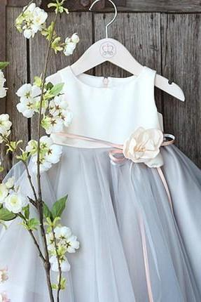 Flower Girl Dress, Light gray flower girl dress, Off white bridesmaid dress, Baby girl birthday outfit, Baby girl Party Dress, Flower girl dress, Gray Flower girl dress, Free shipping